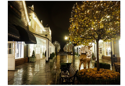 http://www.asyouwishuk.com/home/christmas-at-bicester-village