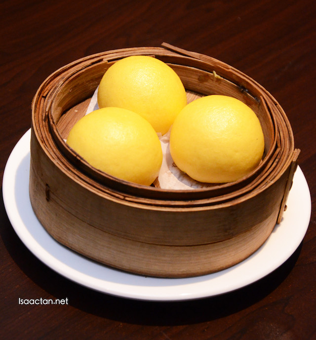 Custard & Salted Egg Yolk Bun (RM5.90)