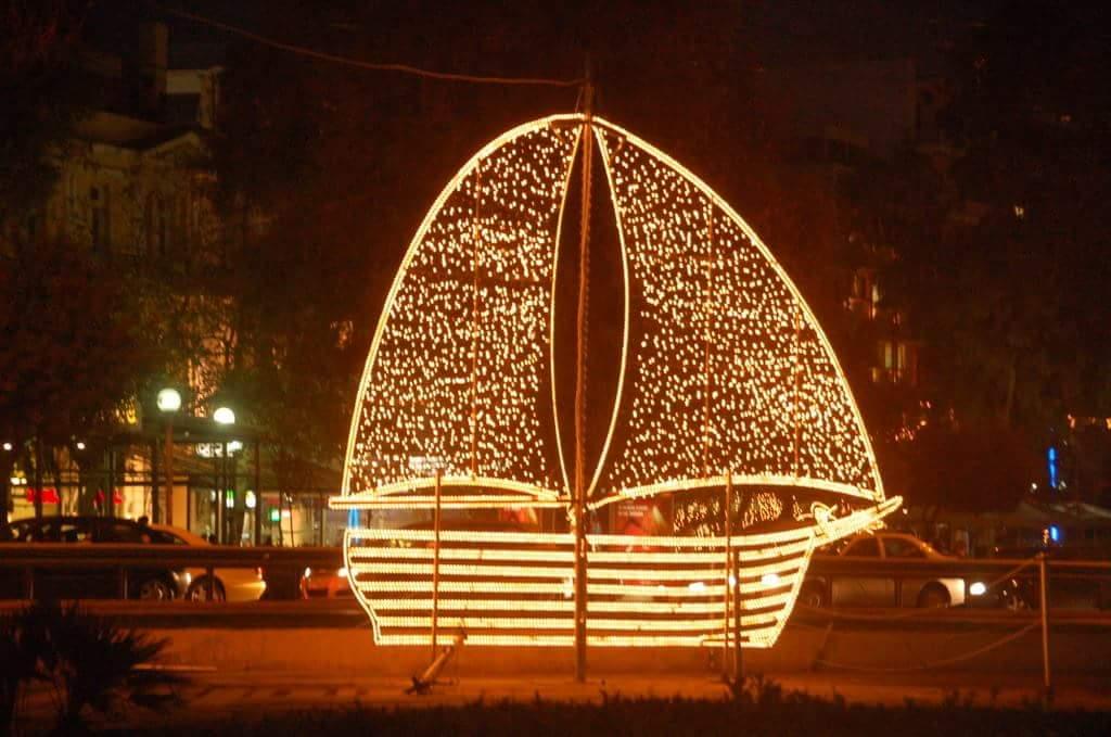 Wild Waves Christmas Lights