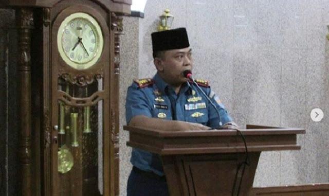 Taraweh Ramadhan, Danlanal Cilacap Isi Kultum di Masjid Agung Darussalam