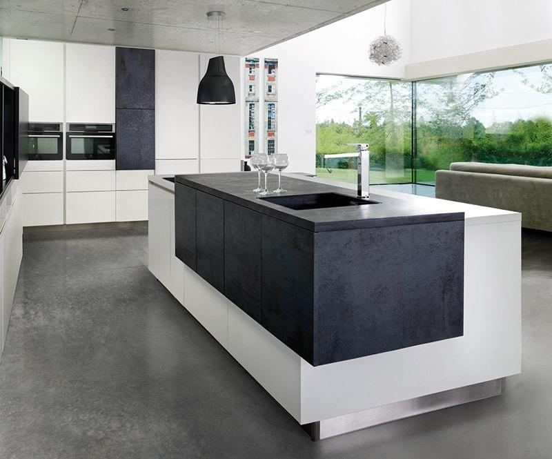 Placa y fregadero a diferentes alturas ideal para una - Isla de cocina con mesa ...
