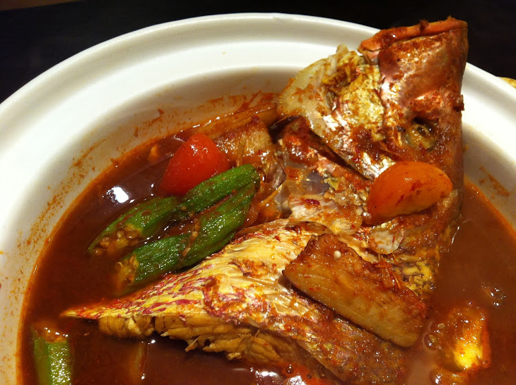 Street Food Warms Your Heart: Claypot Assam Fish Head ...