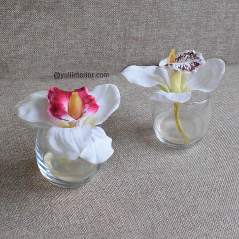Pair of Mini Flower Vase