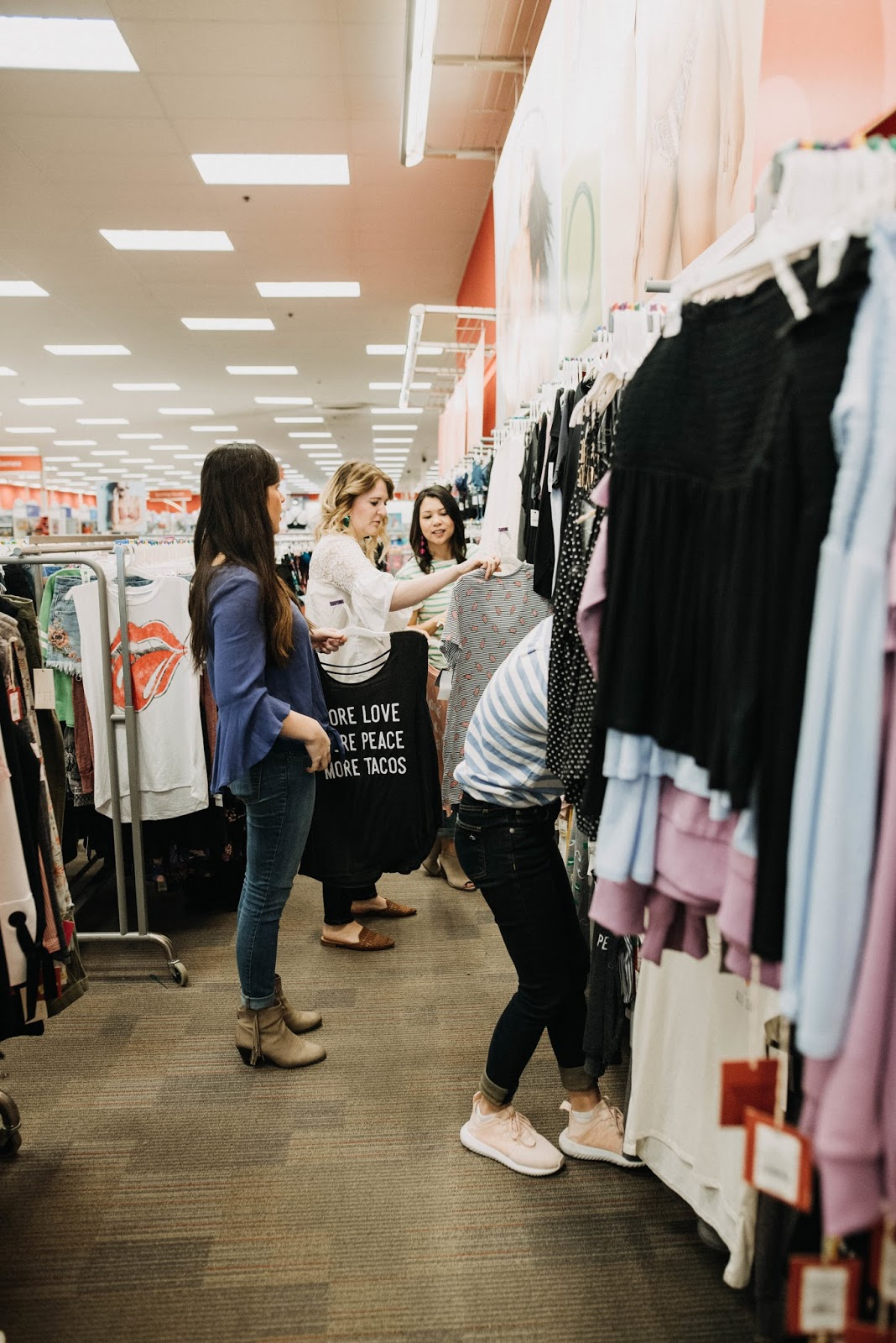 Moms Day Out, Moms Take over Target, Glitterandjuls, Target Photoshoot, Kate Laraine Photograpy, Savannah Blogger, Southern Motherhood Magazine, Mom Blogger