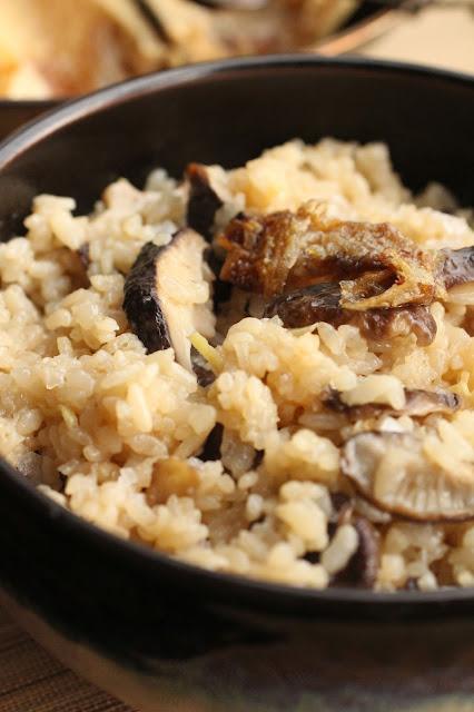 riz a sushi avec champignons et gingembre