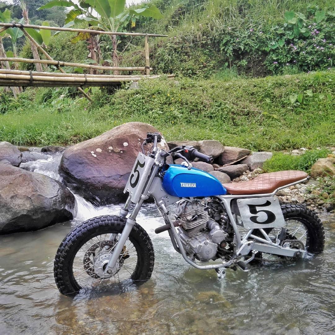 Yamaha Scorpio Modifikasi Flat Tracker