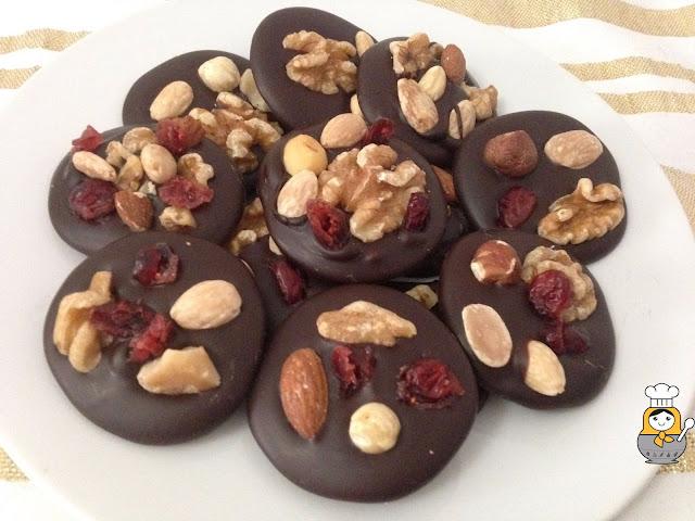 Mendiants o músicos de chocolate: receta ultrafácil de Navidad