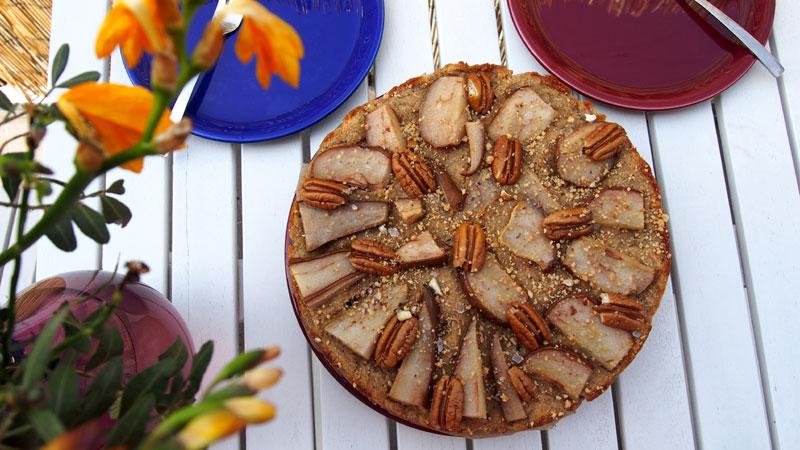 Todella hyvä gluteeniton päärynäkakku