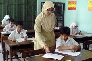 fungsi guru inklusi terhadap lingkungan sekolah