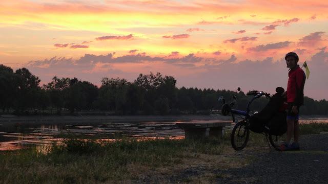 De Paris à la Rochelle en vélo couché, sur les bords du Cher