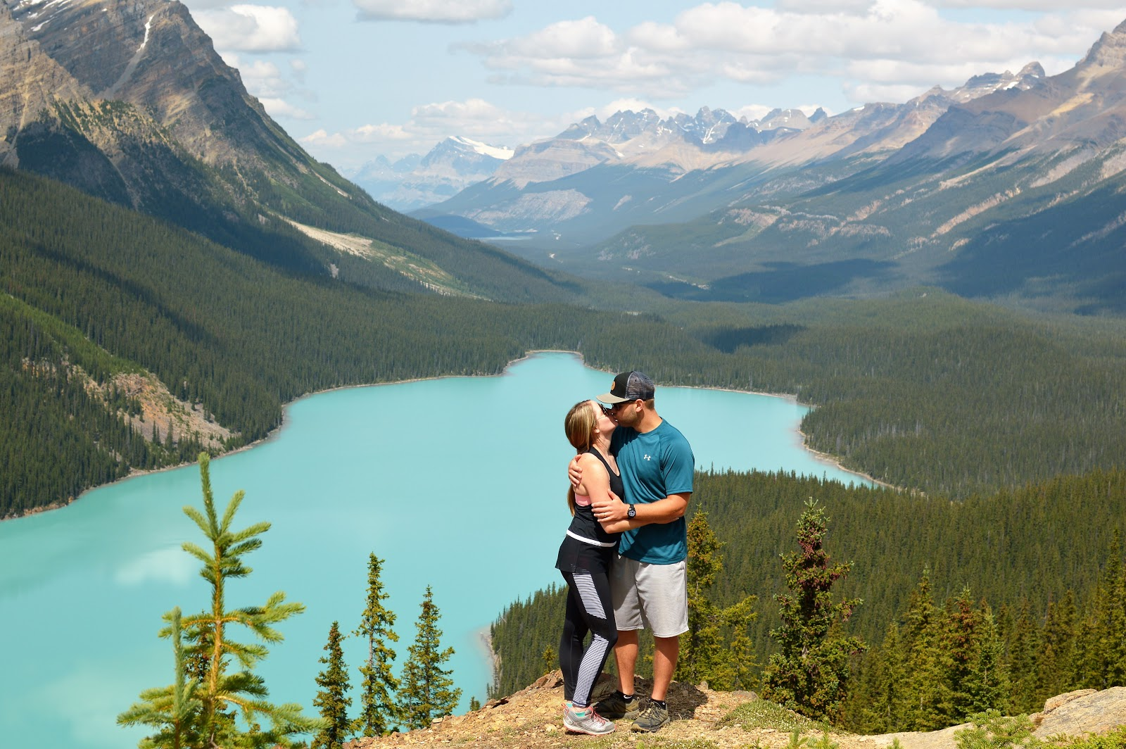 Couple Pictures at Peyto lake | What to Pack for Banff | Banff Travel Tips | Lessons Learned from Our Trip to banff | A Memory of us Blog | What to know before you go to Banff