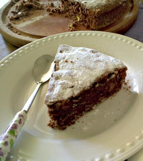 Torta de chocolate, almendras y pistachos