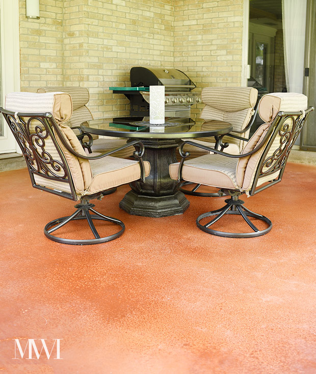 Stain your concrete patio or driveway in a weekend. Easy tutorial, minimal time and cost. Via www.monicawantsit.com