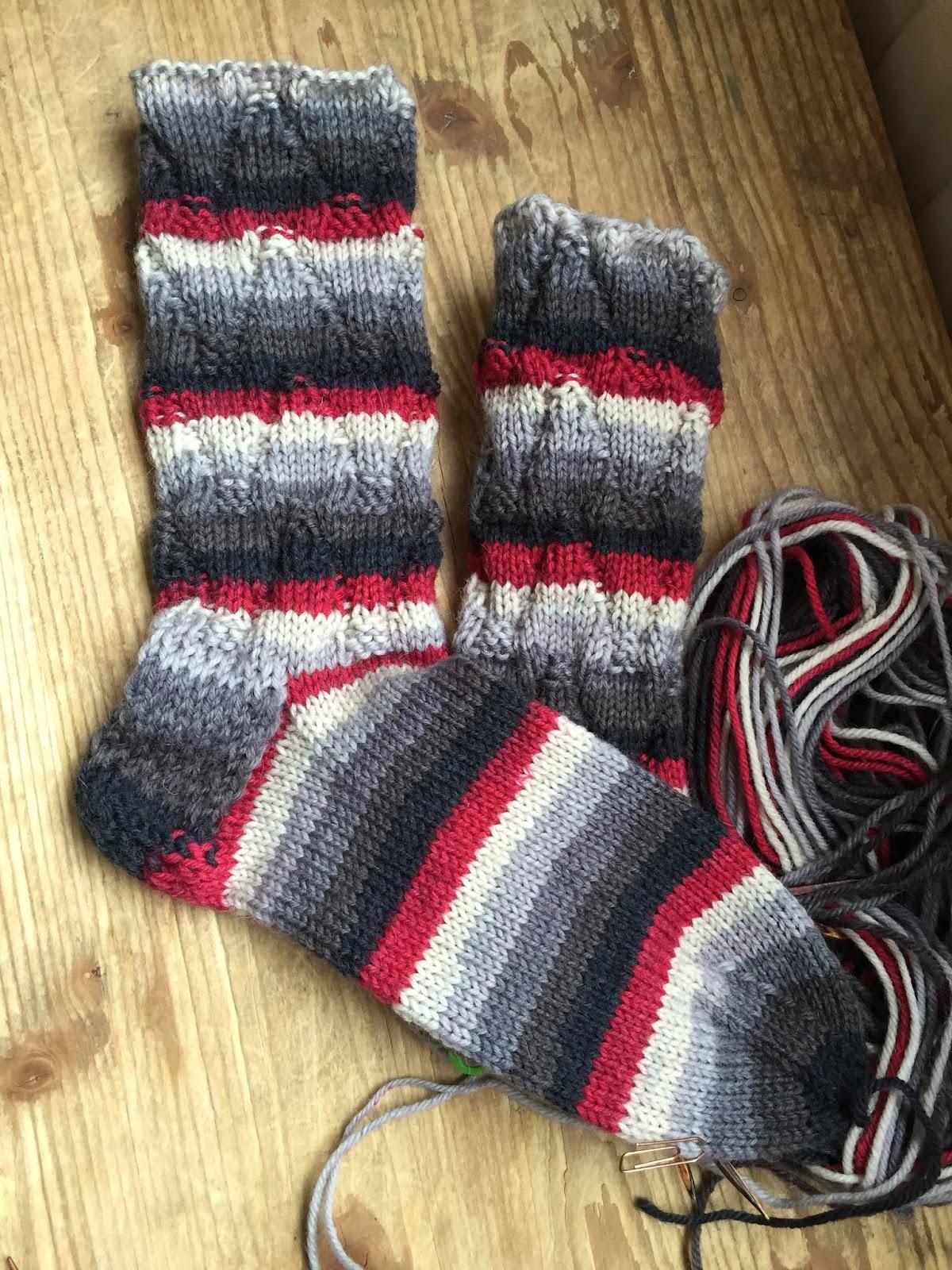 V-joustin sukat, ristiinvahvistetulla kantapäällä