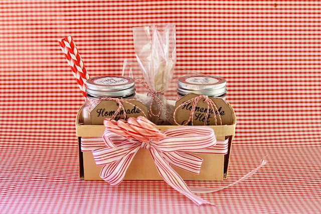 DIY Homemade Hot Chocolate Gift Basket with Marshmallows