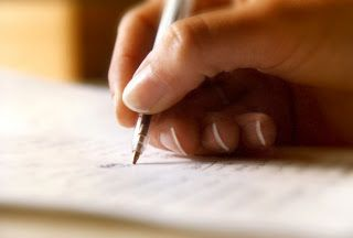 El examen. Mano escribiendo