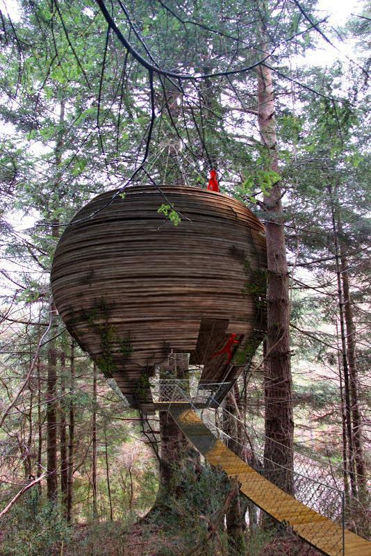 DIY%2BLuxury%2BTree%2BHouses%2B%25288%2529 10 DIY Luxury Tree Houses Interior