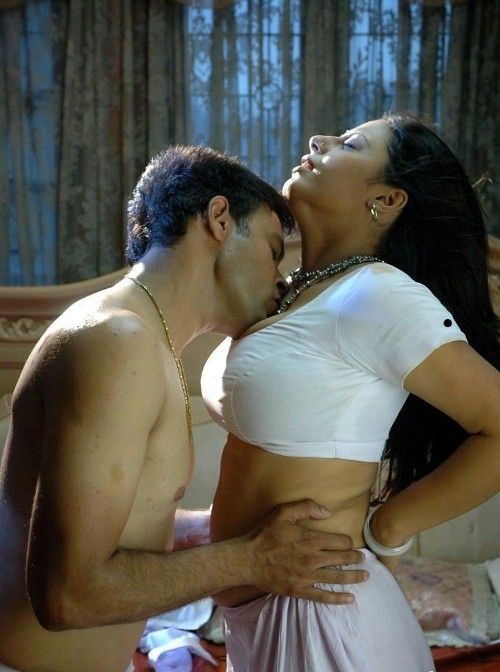 Kissing In Bedroom 28 Images