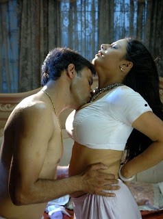 Hra Hot Aunty In Bedroom Lovely Kissing White Saree Gsv Pics