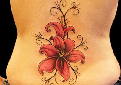 tatuajes para mujeres en la espalda de corazones