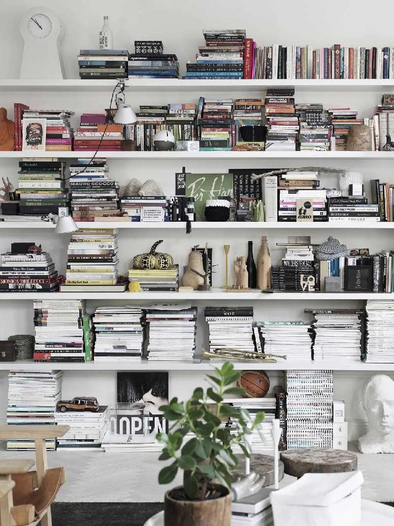 stanza adibilta a zona lettura