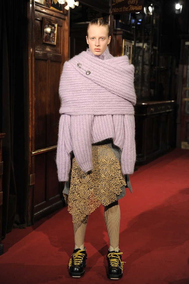 Acne Studios Pre-Fall 2015 Baylay Cozy Knit Turtleneck Sweater In A Wool & Mohair Blend on Runway