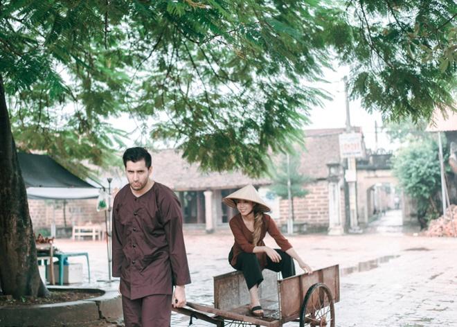 Đám cưới cô nhân viên người Việt lấy Sếp