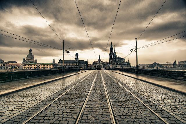 Ponte sul fiume Elba-Dresda