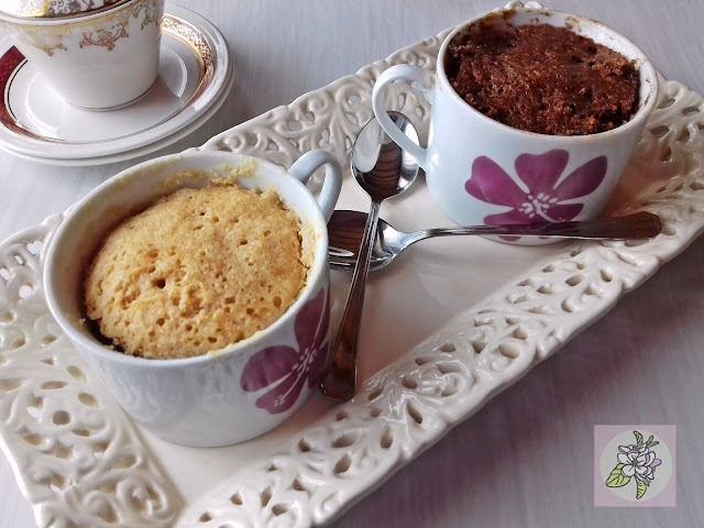 2  MUG CAKE VEGANOS DE ALMENDRA: VAINILLA Y CHOCOLATE