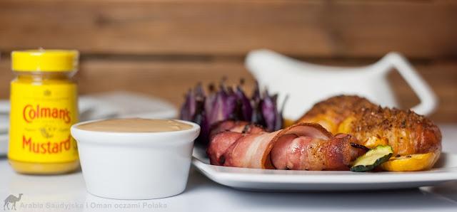 Grillowane ziemniaki z boczkiem i dipem musztardowym