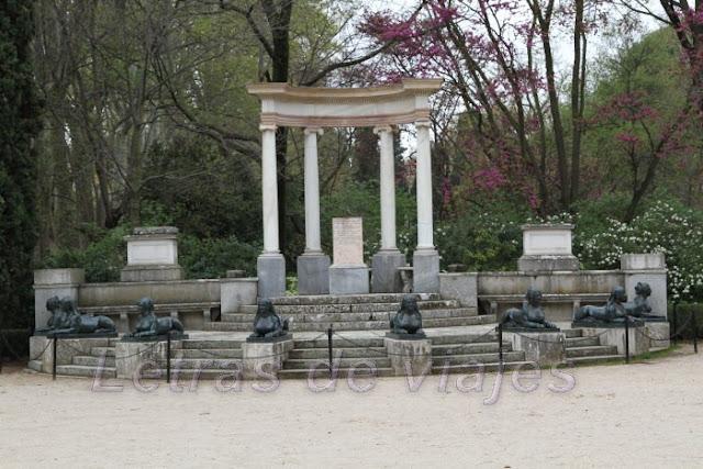Letras de viajes espa a madrid jard n el capricho for Jardin historico el capricho paseo alameda de osuna 25