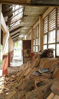 Sekolah di Karawang Rawan Ambruk !!