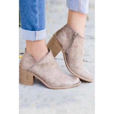 https://www.luvyle.com/high-heeled-plain-boots-p-48049.html