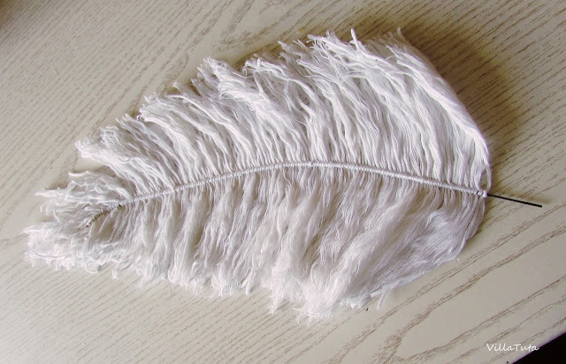 Feathers-made-out-of-yarn.jpg