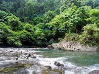 Menyusuri dan Menikmati Keindahan Alam di Desa Sendiri
