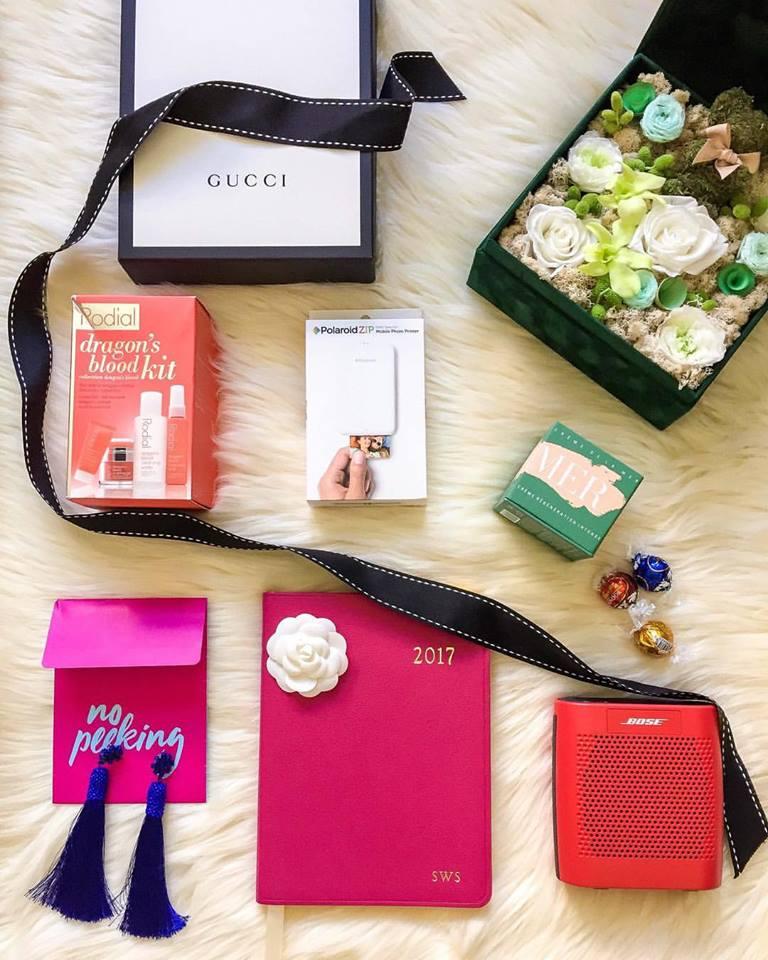 holiday gift ideas, holiday gift shopping, holiday gift guide, gift for her, gift for him, holiday gifts