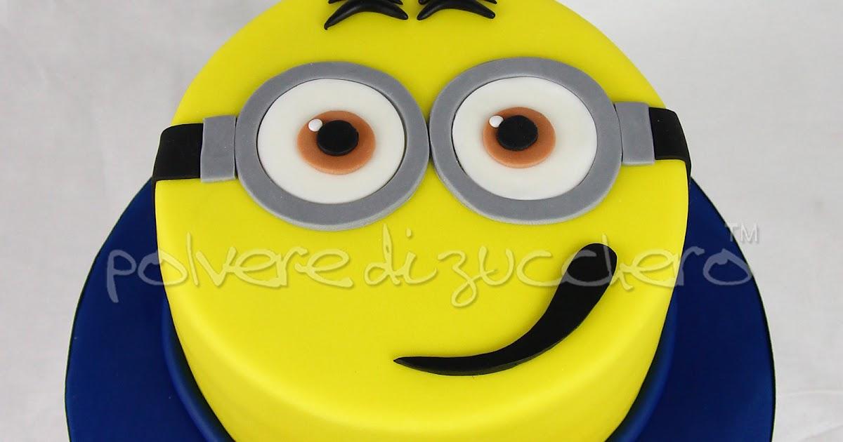 Torta Decorata Faccia Dei Minions In Pasta Di Zucchero Per