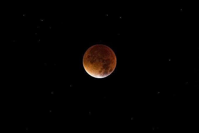 Kanlı Ay Tutulması - Bloody Lunar Eclipse