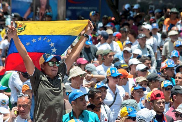 Reino Unido pide a Venezuela permitir las protestas pacíficas y respetar la Constitución
