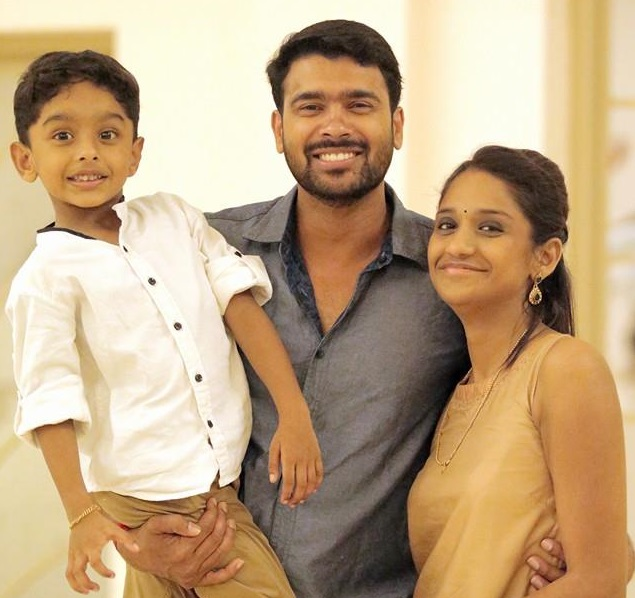 Actor Vivek Goapn with wife Sumi and son Sidharth
