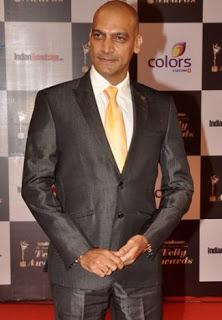 Biodata Manish Wadhwa sebagai pemeran Niranjan Agnihotri