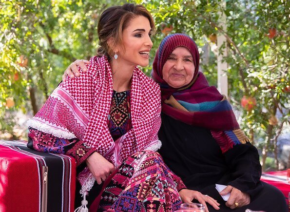 Queen Rania wore Stephen Webster Haze turquoise earrings