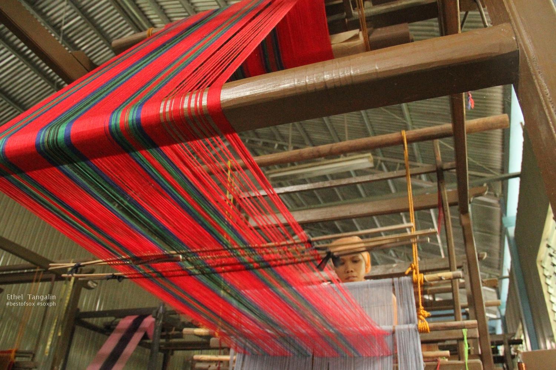Inaul weaving in Malapatan, Sarangani