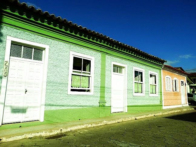 Casas geminadas coloridas, Ribeirão da Ilha, Florianópolis