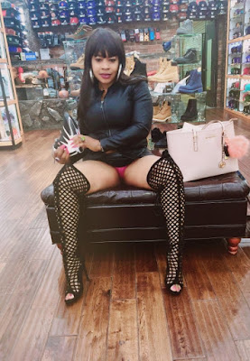 Ch3A63eUUAAj9FN Photos: P*rN actress, Afrocandy displays her underwear in a shoe shop