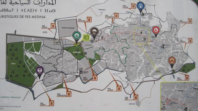 Cartel turístico de la Medina de Fez