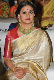 Keerthy Suresh in Saree with Cute and Lovely Expressions at Mahanati Audio Launch 1