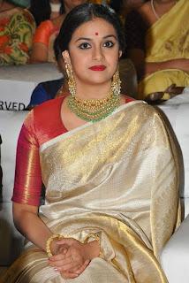 Keerthy Suresh at Mahanati Audio Launch 1
