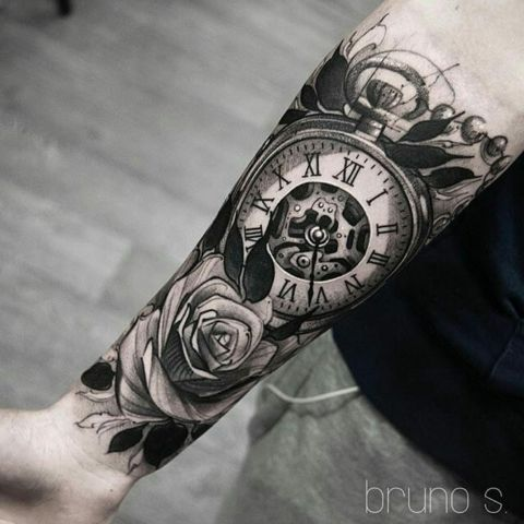 22 Mysterious Clock Tattoos For Men and Women