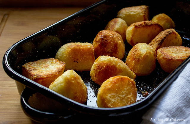 Roast Potatoes in Enamel Dish from Judge Cookware